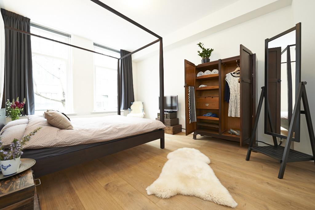 Amsterdam--vastgoed-appartement-fotograaf-slaapkamer-2-tobiasmedia_nl