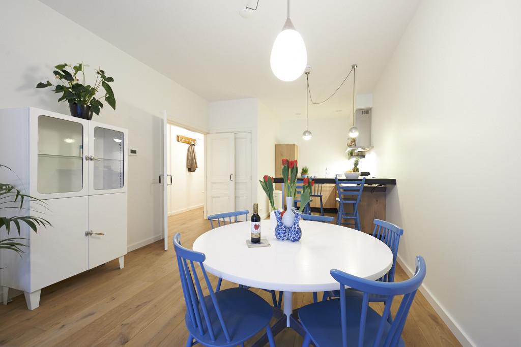 Amsterdam--vastgoed-appartement-fotograaf-woonkamer-1-tobiasmedia_nl