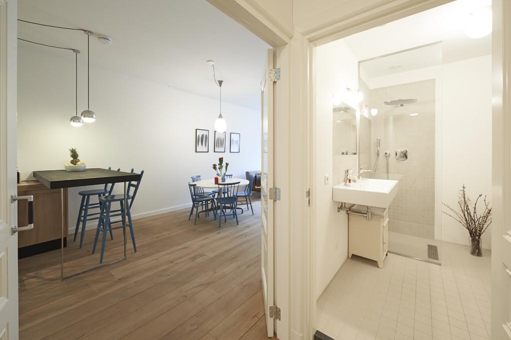 Amsterdam--vastgoed-appartement-fotograaf-woonkamer-2-tobiasmedia_nl