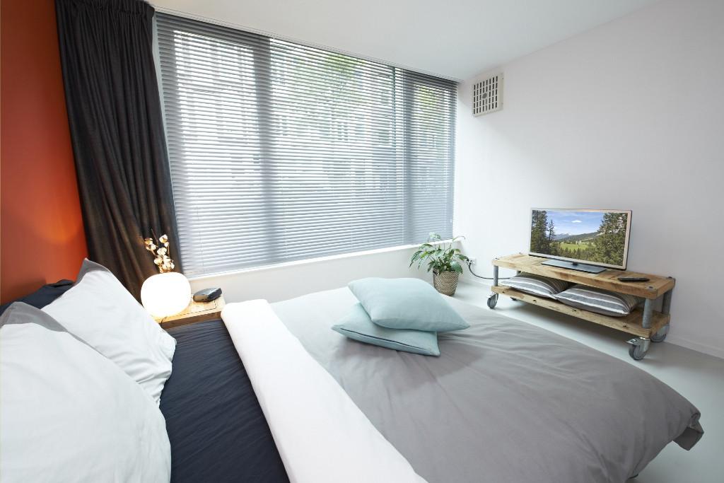 Amsterdam-vastgoed-appartement-fotografie-slaapkamer-2-tobiasmedia_nl