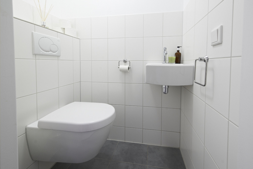 Amsterdam-vastgoed-appartement-fotografie-wc-2-tobiasmedia_nl