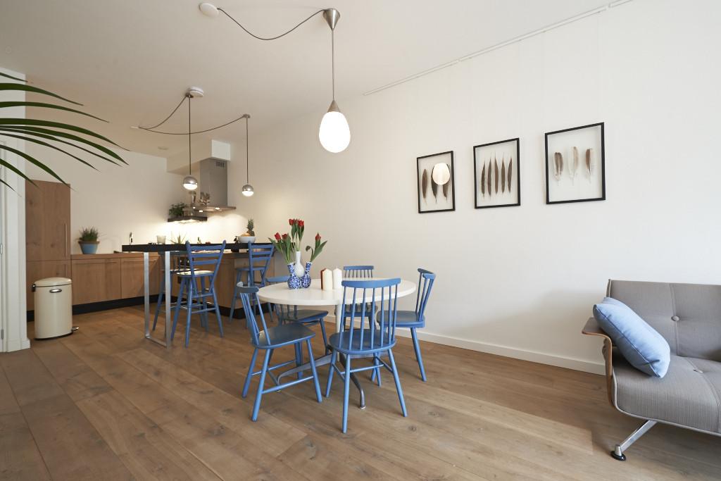 Amsterdam-vastgoed-appartement-fotografie-woonkamer-hout-1-tobiasmedia_nl