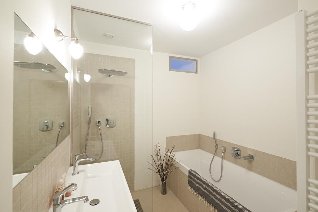 Amsterdam-vastgoed-huis-foto-keuken-badkamer-1-tobiasmedia_nl