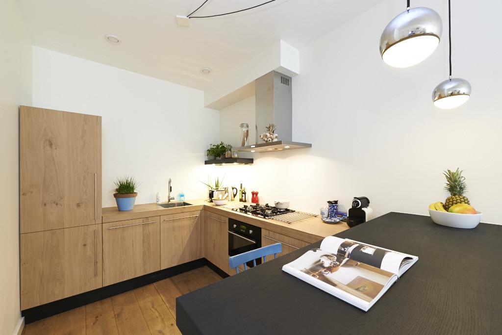 Amsterdam-vastgoed-huis-fotografie-keuken-hout-1-tobiasmedia_nl