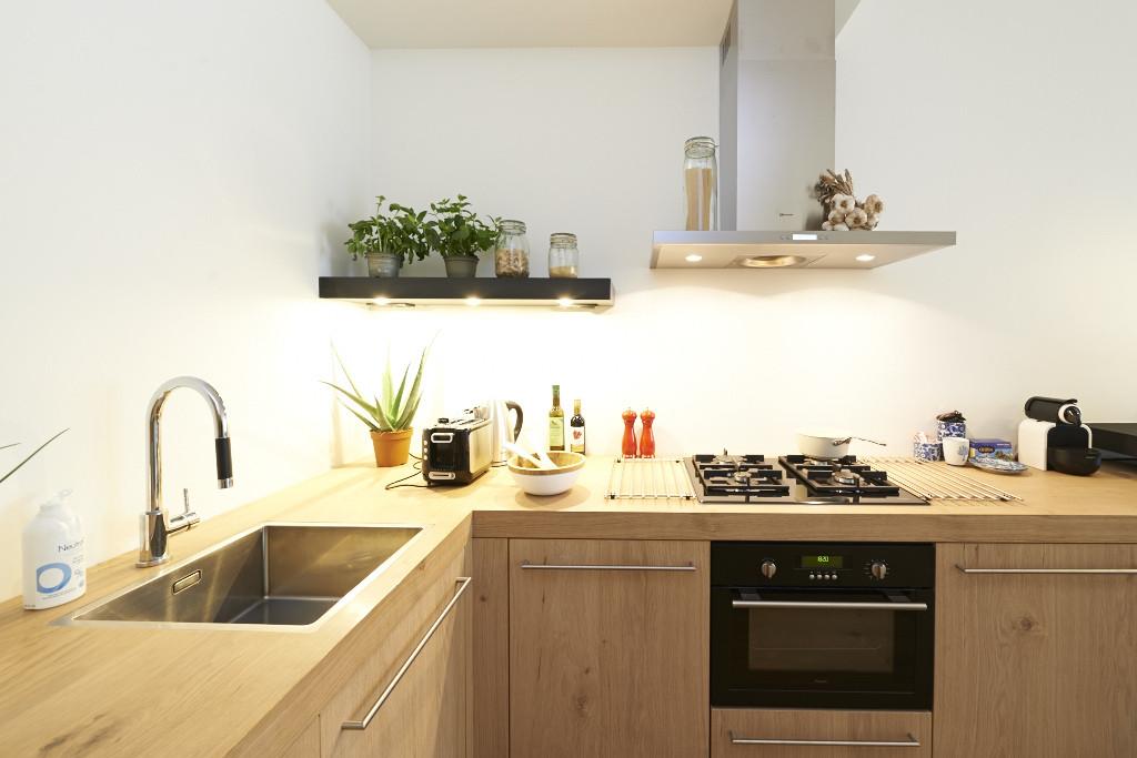 Amsterdam-vastgoed-huis-fotografie-keuken-hout-2-tobiasmedia_nl