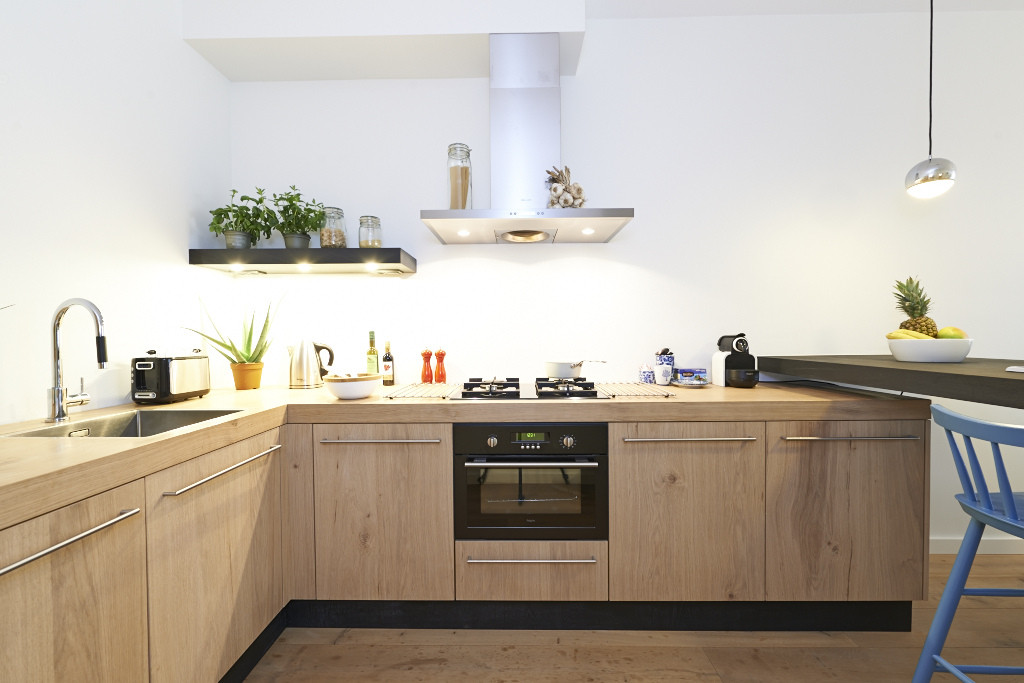 Amsterdam-vastgoed-huis-fotografie-keuken-hout-3-tobiasmedia_nl